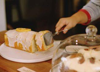 Ciasto cytrynowe z polewą czekoladową – prosty przepis