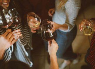 O czym należy pamiętać podczas organizowania przyjęcia?